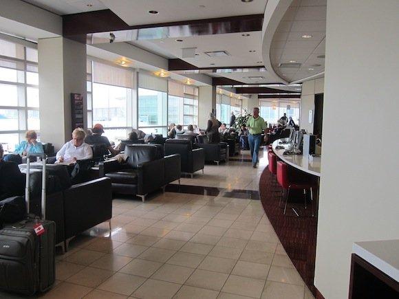 Air_Canada_Maple_Leaf_Lounge07