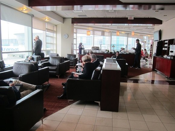 Air_Canada_Maple_Leaf_Lounge09