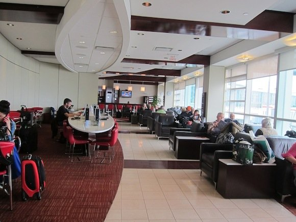 Air_Canada_Maple_Leaf_Lounge10