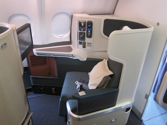 Cathay_Pacific_A330_Business_Class