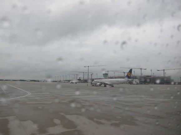 Lufthansa_Business_Class_Munich_Budapest05