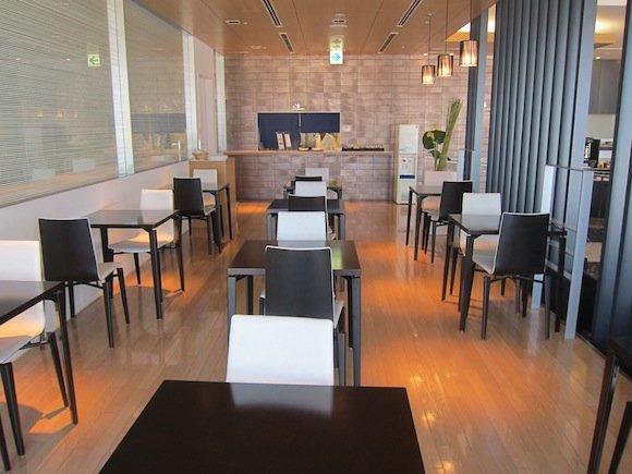 ANA_Suites_Lounge_Tokyo_Narita16