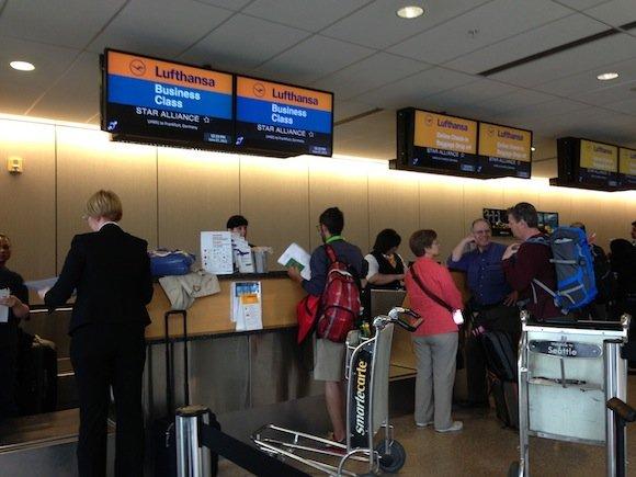 Club_International_Seattle_Airport01