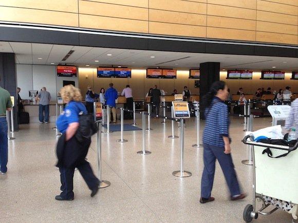 Club_International_Seattle_Airport02