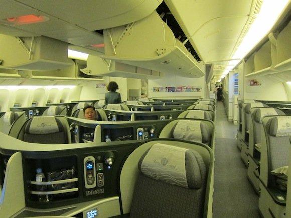 EVA_Air_Royal_Laurel_Class01