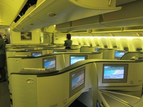 EVA_Air_Royal_Laurel_Class02