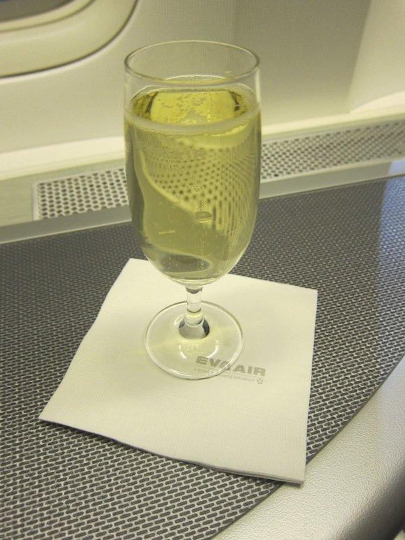 EVA_Air_Royal_Laurel_Class15