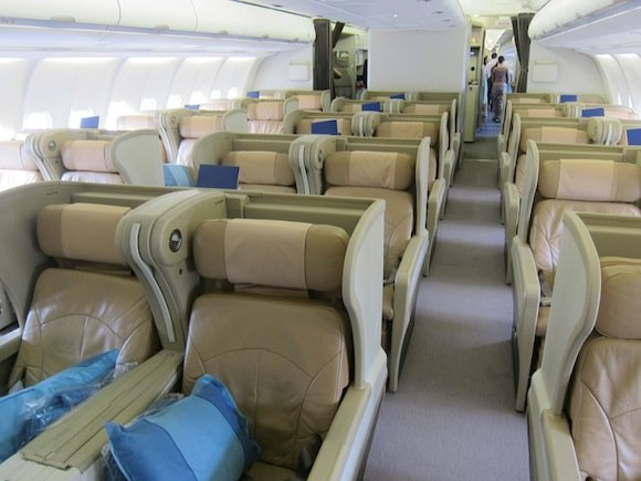 Singapore_Airlines_A330_Business_Class01