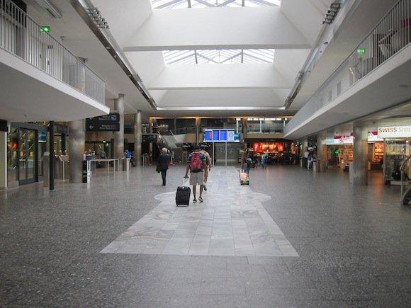 Swiss_Lounge_Zurich_Airport05