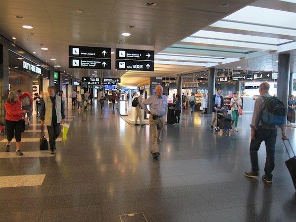 Swiss_Lounge_Zurich_Airport07