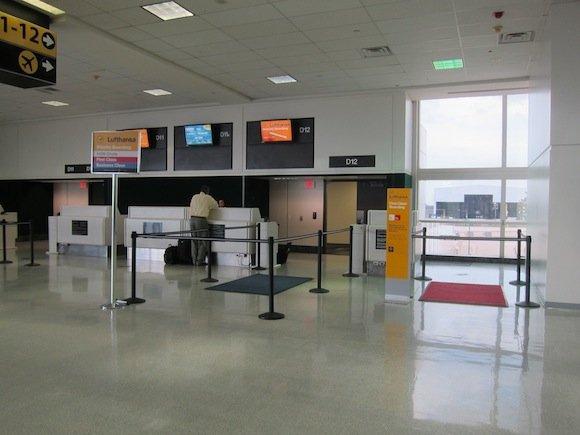 Houston_Airport_Executive_Club24