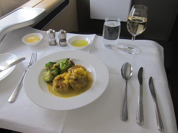 Lufthansa_7478_First_Class30