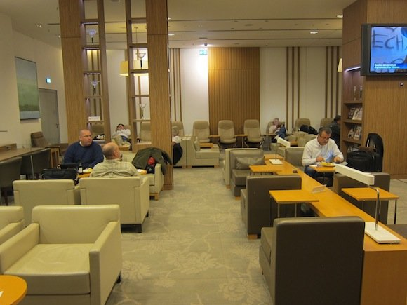 Japan-Airlines-Lounge-Frankfurt-12