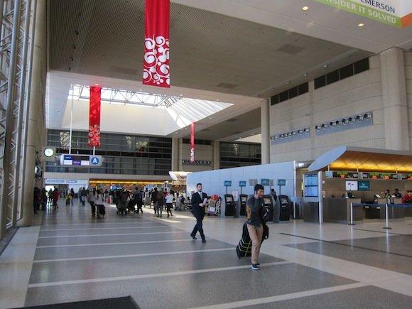 OneWorld-First-Lounge-LAX-01