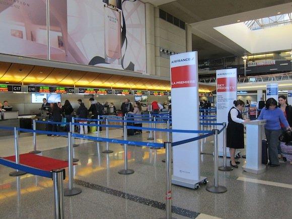 OneWorld-First-Lounge-LAX-05