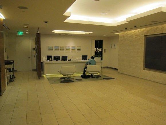 OneWorld-First-Lounge-LAX-10