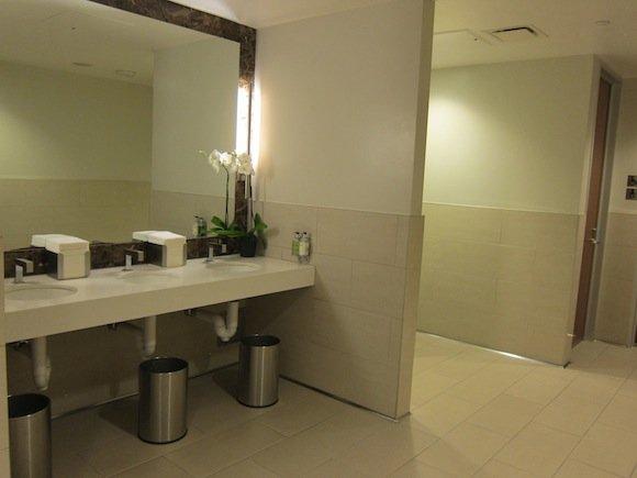 OneWorld-First-Lounge-LAX-19