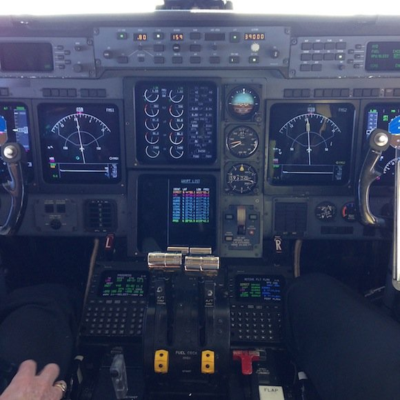 Flight deck on Gulfstream IV