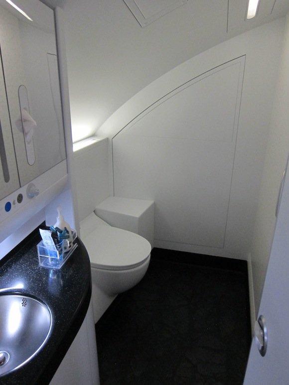 Korean-Air-A380-First-Class-075