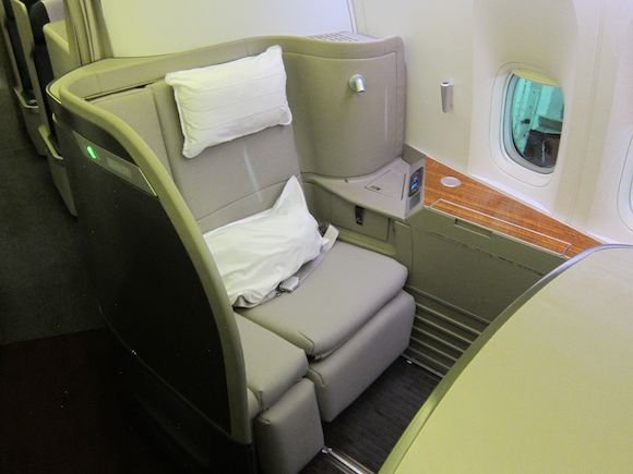 Cathay-Pacific-First-Class-12
