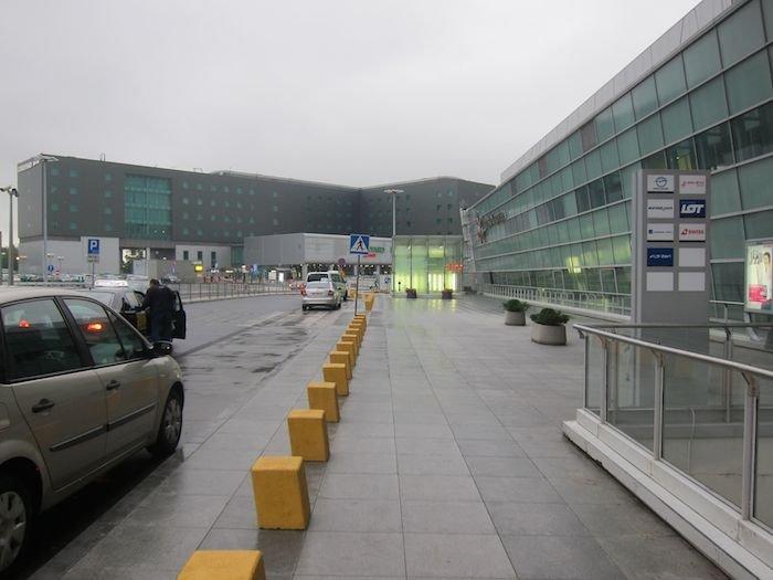 LOT-Polish-Lounge-Warsaw-Airport-02