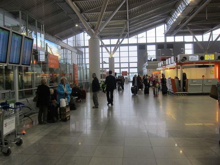 LOT-Polish-Lounge-Warsaw-Airport-05