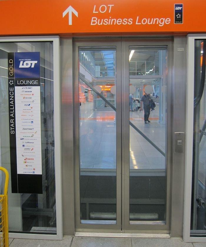 LOT-Polish-Lounge-Warsaw-Airport-10
