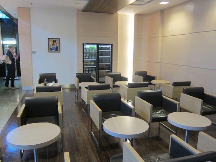 LOT-Polish-Lounge-Warsaw-Airport-12