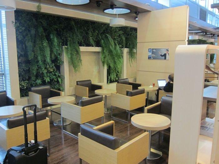 LOT-Polish-Lounge-Warsaw-Airport-13