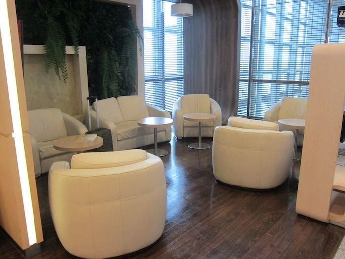 LOT-Polish-Lounge-Warsaw-Airport-15