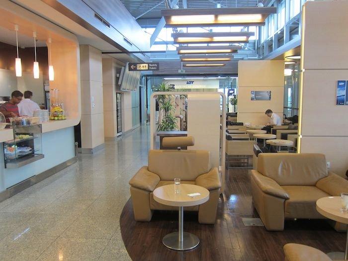 LOT-Polish-Lounge-Warsaw-Airport-17