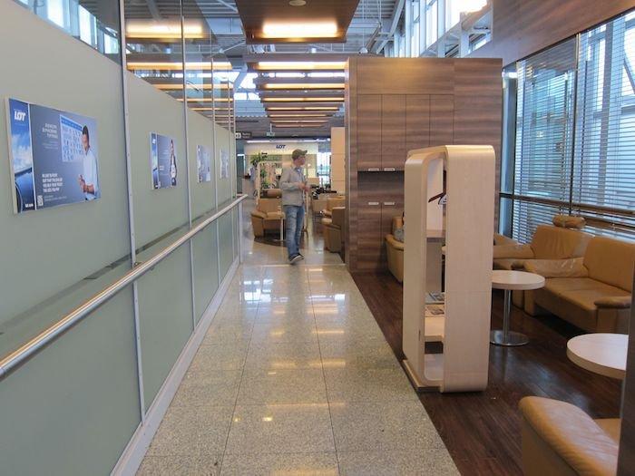 LOT-Polish-Lounge-Warsaw-Airport-18