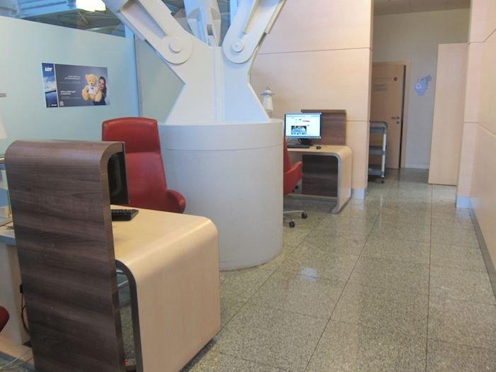 LOT-Polish-Lounge-Warsaw-Airport-19
