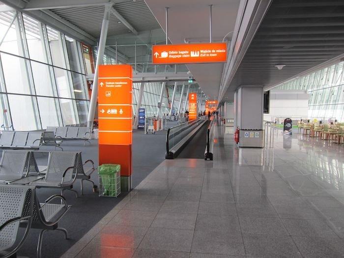 LOT-Polish-Lounge-Warsaw-Airport-34