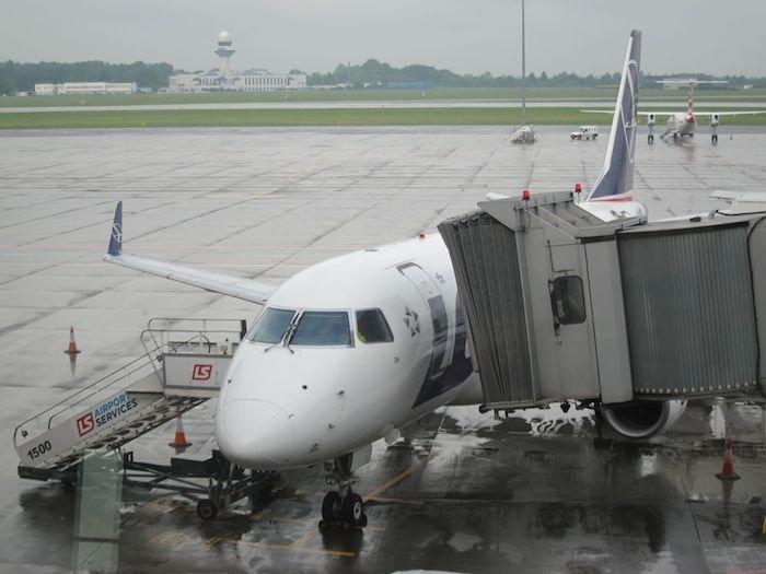 LOT-Polish-Lounge-Warsaw-Airport-37