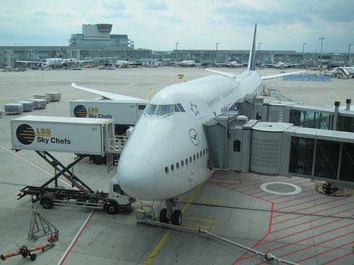 Lufthansa-748-Business-Class-01