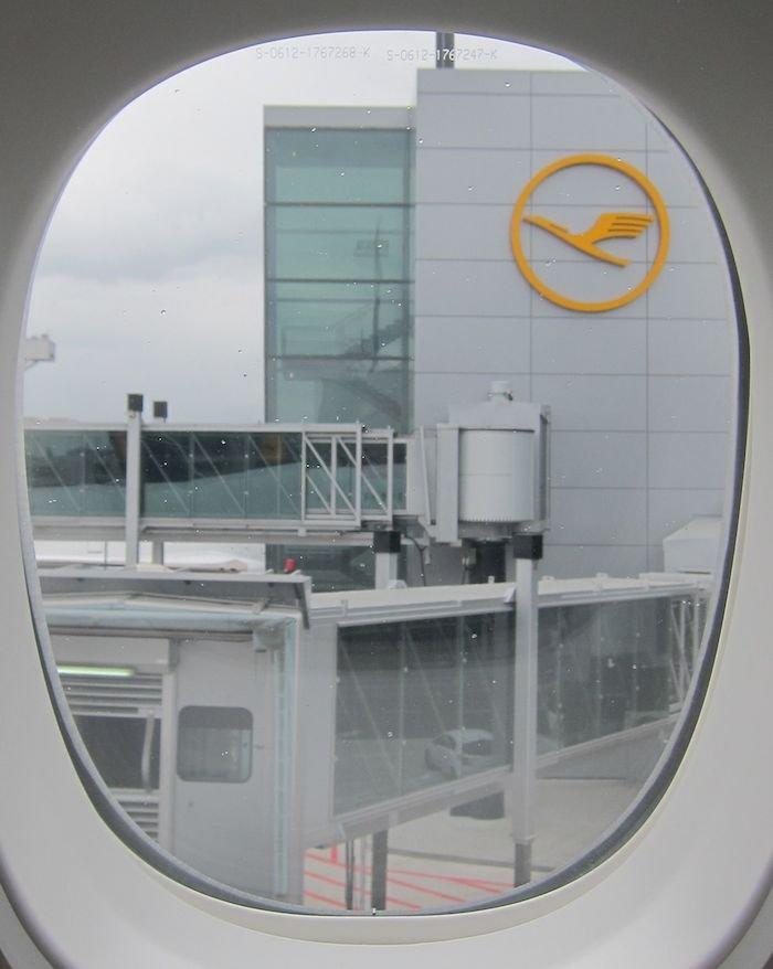 Lufthansa-Business-Class-7478-24
