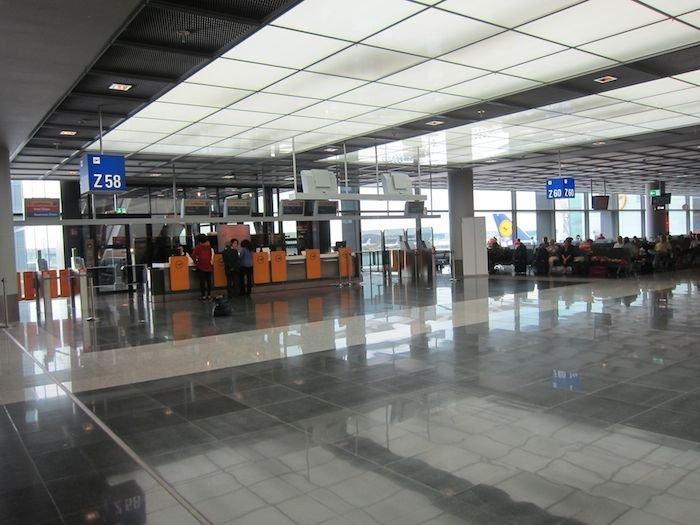 Lufthansa-Business-Lounge-Frankfurt-33