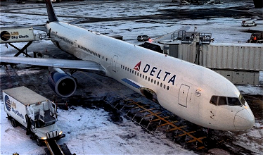 2,000+ Flights Cancelled Due To Winter Storms