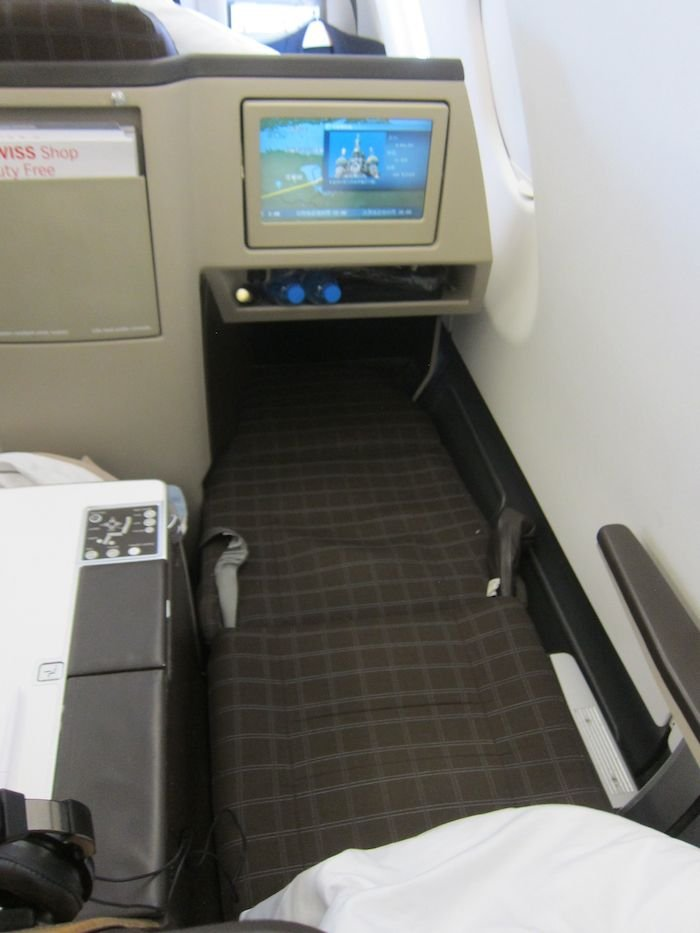 Swiss-Business-Class-A330-59