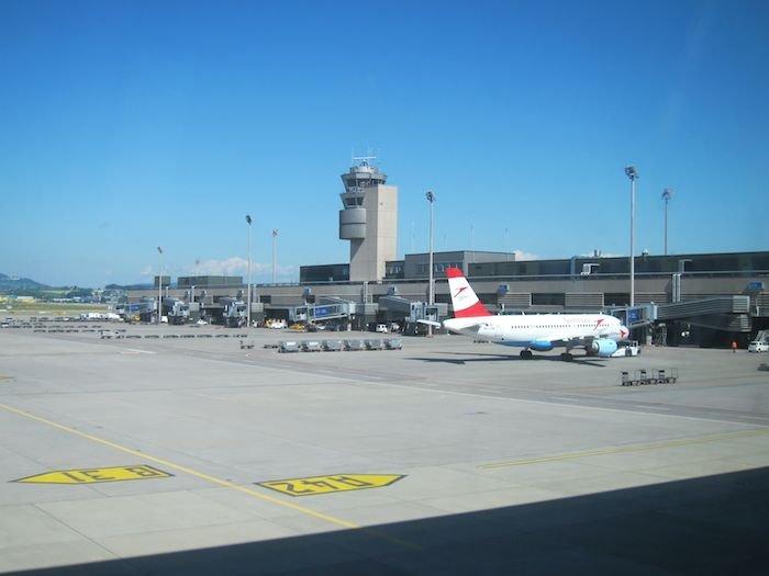 Swiss-Panorama-Lounge-Zurich-Airport-06