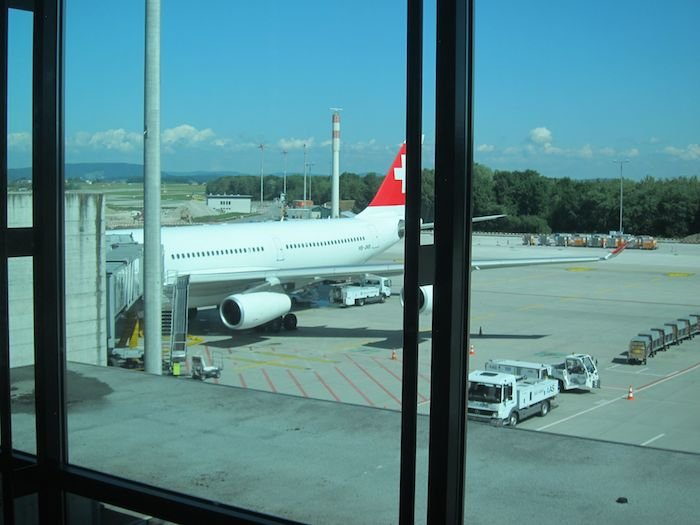 Swiss-Panorama-Lounge-Zurich-Airport-09