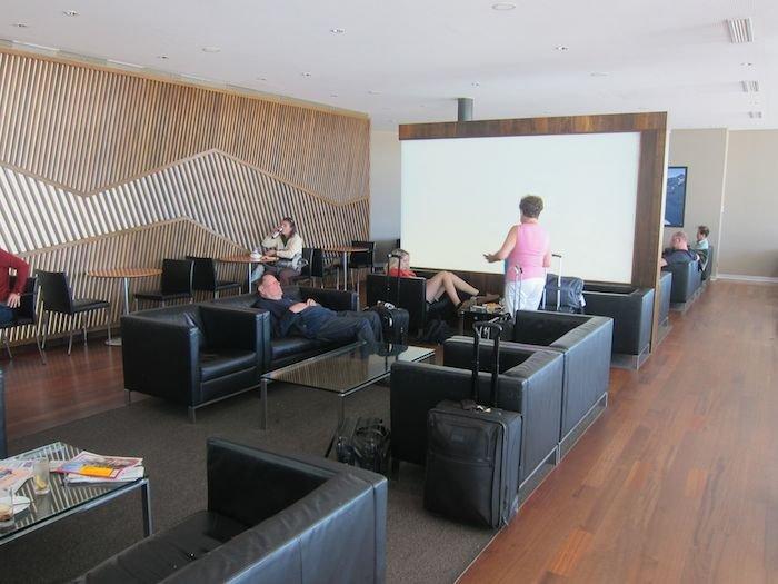 Swiss-Panorama-Lounge-Zurich-Airport-18