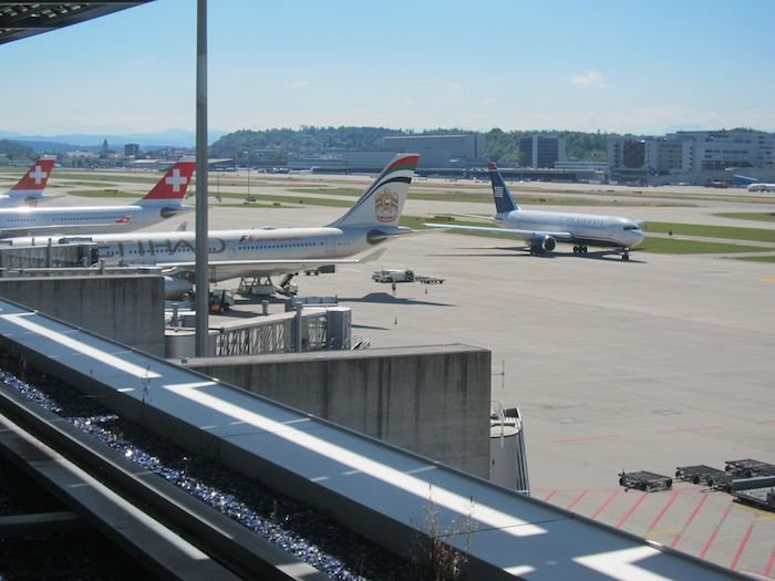Swiss-Panorama-Lounge-Zurich-Airport-35