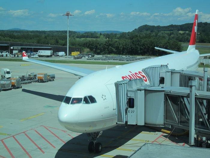 Swiss-Panorama-Lounge-Zurich-Airport-39