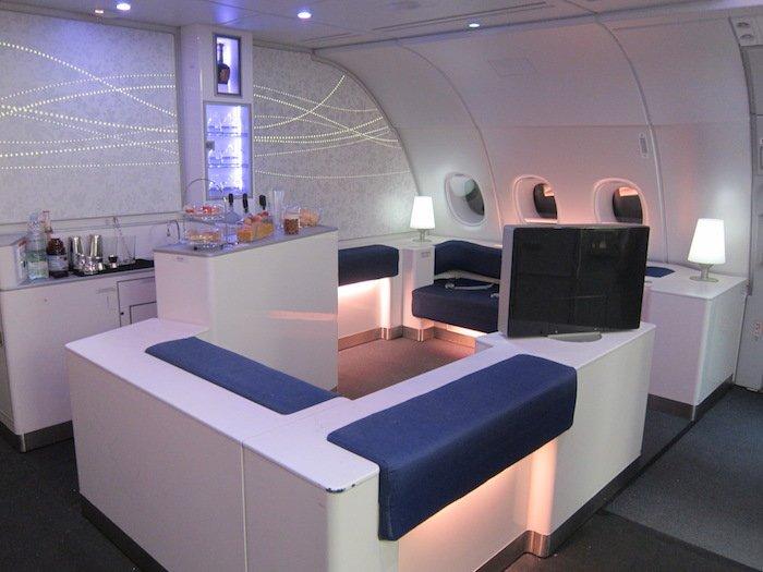 Korean-Air-A380-Bar-1
