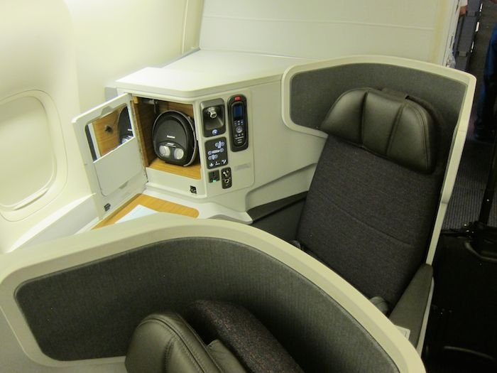 American-Airlines-Business-Class-777-01