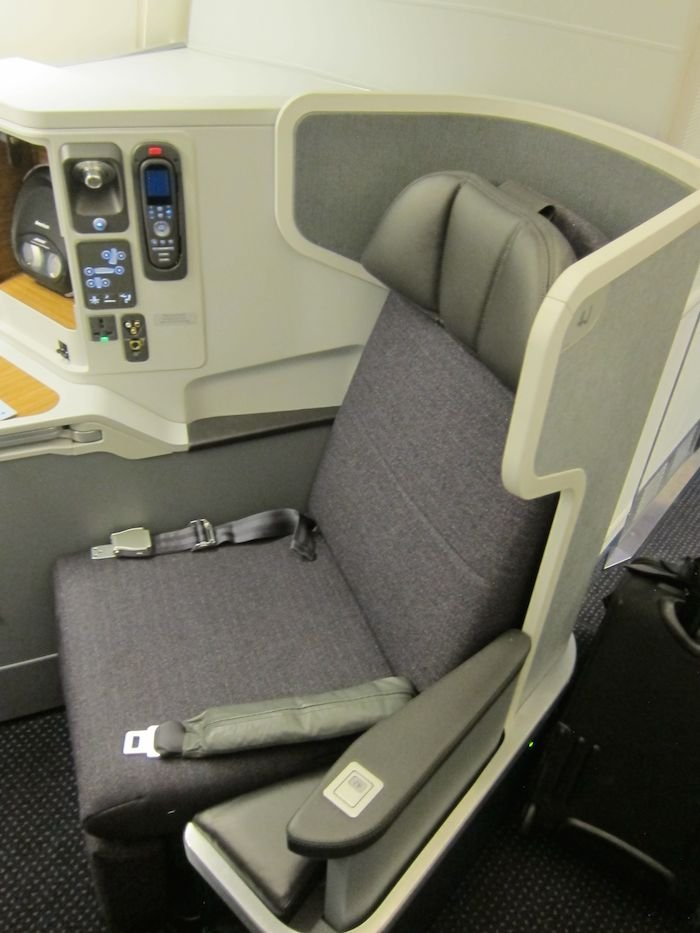 American-Airlines-Business-Class-777-02