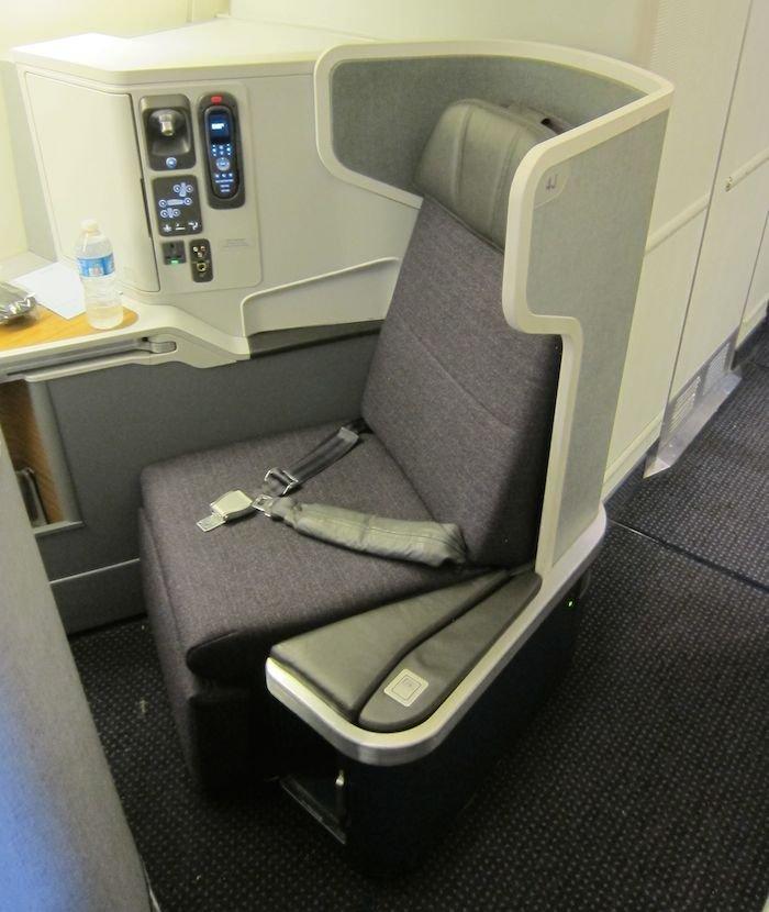 American-Business-Class-777-03