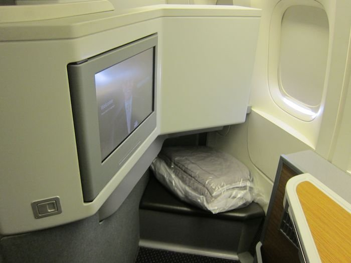 American-Business-Class-777-05